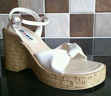 NEW ZONE WHITE PATENT KNOT WOOD EFFECT HIGH PLATFORM WEDGE SANDAL SHOE SIZES 6 7