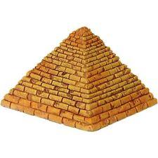 Ägyptische Pyramide sandfarbend klein
