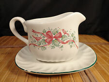 CORELLE  CORNING CALLAWAY HOLIDAY Corelle Coordinates Gravy Boat and Under Plate