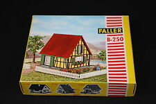 W002 FALLER Train Maquette B-250 Maison paysanne frame house Frackwerkhaus