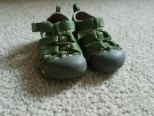 Toddler Keen Sandals size 6 Green