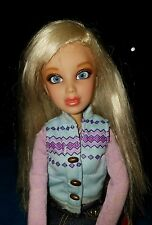 SPIN MASTER LIV doll Blonde/Blue eyes with outfit 11""