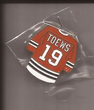 CHICAGO BLACKHAWKS Jonathan Toews #19 Jersey Pin -  NEW