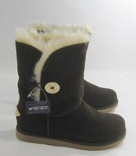 dark Brown Winter comfortable flat ankle boot fur inside/ gold button size 9  p
