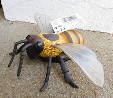 HONEY BEE replica plastic toy INSECT minibeast / bug - 15cm. Safari Ltd