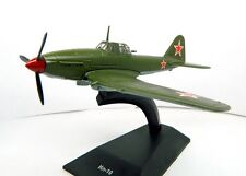 1:100 Ilyushin IL-10  Soviet Airplane Die cast model and magazine 54 DeAgostini