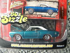 1969 DODGE CORONET SUPER BEE #4         2007 JOHNNY LIGHTNING 60s SIZZLE   1:64
