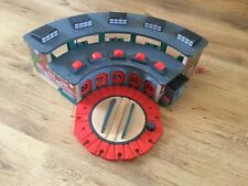 Deluxe TIDMOUTH ROUNDHOUSE ENGINE SHEDS - THOMAS AND FRIENDS Wooden Trains