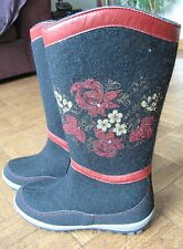 Russian Women's Black Felt Boots printed flowers sz 9 or 39 made Russia Валенки