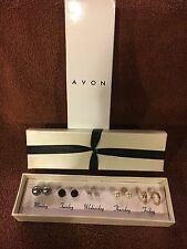 Avon Days of the Week Earrings in Cream Signature Box (2007) - NOS