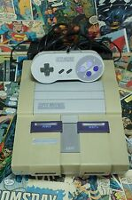 Super Nintendo w Original Accessories (Tested Works) Turns Black & White