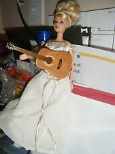 "Taylor Swift 12"" doll singing ""love Story"""