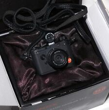 MINOX CLASSIC LEICA - 14.0Mp - BLACK - BOXED AND PERFECT.