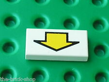 LEGO space white Tile with Arrow Pattern 3069bp13 / Set 5591 6983 6741 6956 6464