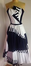 BEAUTIFUL VINTAGE VICTOR COSTA NAVY AND WHITE COTTON DAY DRESS