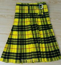 Scottish Active Men Traditional Prime MacLeod Tartan Kilt Shamrock Pin