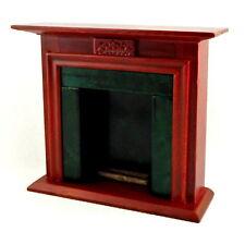 Casa De Muñecas Mahogany Verde Oscuro Chimenea w Troncos 1:12 Muebles Miniatura