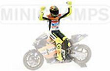 Minichamps 312 020046 Rossi side saddle assis figure MOTO GP 2002 1,12 th scale