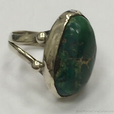 ESTATE PURCHASED .925 STERLING INDIAN STYLE GREEN AGATE DESIGNER RING 7