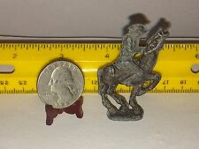 1/48 MINIATURE CAVALRY CAST METAL SOLDIER ON HIS HORSE