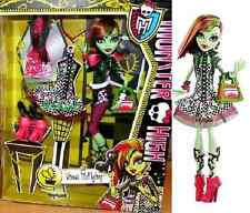 Monster High I LOVE FASHION Venus McFlytrap & 3 Outfits Exclusive Doll PlaySet !