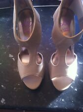 BNWD LIPSY BEIGE /NUDE TOE-POST SHINY GOLD HEELS WITH BACK ZIP SIZE 5 RRP  £75