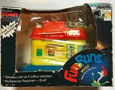 Vintage Preschool Tomy Fun Runs World Drive-Thru Burger Stand No. 1702