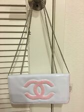 Chanel Beauty Vip Gift clutch bag In White/pink with silver chain