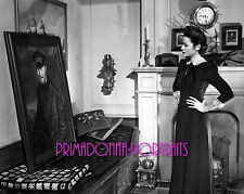 "GENE TIERNEY 8X10 Lab Photo B&W 1947 ""THE GHOST AND MRS. MUIR"" with Painting"