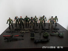 CHAP MEI ARMY SOLDIERS FIGURES WITH WEAPONS AND GUNS
