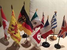 LOTTO 9 BANDIERINE DA TAVOLO CON BASE GERMANIA MEXICO GRECIA CANADA TUNISIA....