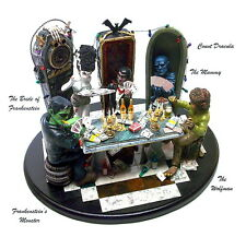 THE CLASSIC MOVIE MONSTER'S CARD PLAYING SOLID RESIN MODEL KIT