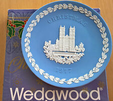 "Vintage Wedgwood Jasperware Christmas plate 1977 of ""Westminster Abbey"""