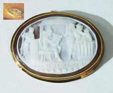 Brosche /Anhänger - Muschelkamee mit mythologischer Szene in 750 Gold