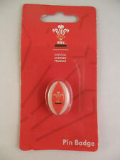 OFFICAL WRU WELSH RUGBY UNION WALES TEAM CARDED RUGY BALL PIN BADGE COLLECTABLE