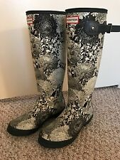 HUNTER rain boots: size 7.5 Perfect condition. Only worn a couple times