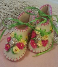 0-3 Month Handmade Vintage Inspired Felt Baby Shoes (F003)