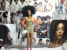 BLACK BARBIE DOLL, SPECIALIZED Twisted afro CAPELLI, AZTEC ETNICO Vestito di giunti sferici
