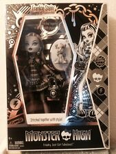 MONSTER HIGH 2010 LIMITED EDITION BLACK & WHITE FRANKIE STEIN DOLL 5,000 MADE