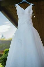 Size 6/8 Slim Fitting Pure White Net, Lace and Pearl Wedding Dress with layers