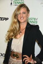 Victoria Azarenka A4 Photo 5