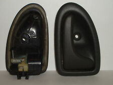 Renault Trafic II Vauxhall Vivaro Nissan Primestar door handle Right, cable type