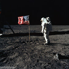 Photo Nasa - Apollo 11 Buzz Aldrin sur la lune drapeau Etats-Unis