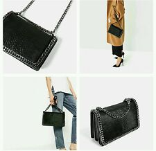 ZARA CROSSBODY BAG WITH EMBOSSED CHAIN REF. 8132/104