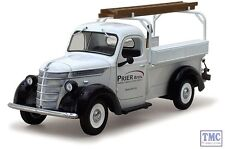 40-0306 First Gear 1:25 SCALE  1938 International D-2 Utility Truck 'Prier Broth