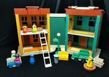 Vintage Fisher Price Little People PLAY FAMILY 938 Sesame Street House