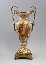 37859 Amphorenvase mit römischem Motiv Keramik Bronze