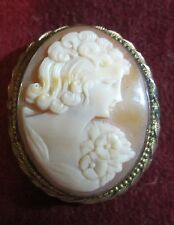 VINTAGE CARVED CAMEO BROOCH - LADIES HEAD FLOWERS - 10KT