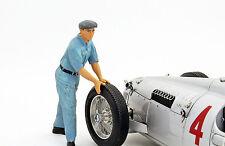 Auto union mécanicien personnage pousse la voiture de course 1:18 figutec