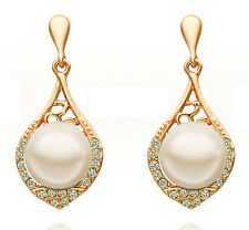 Beautiful Vintage Stylish Gold & White Pearl Drop Dangle Earrings Bridal E650